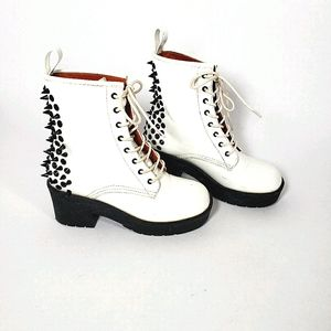 Aldo White Combat Moto Boots with Spikes Size 6.5